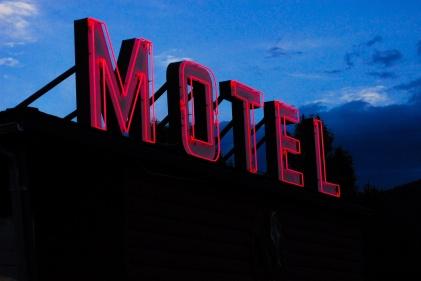 vintage-motel-neon-sign-5.jpg